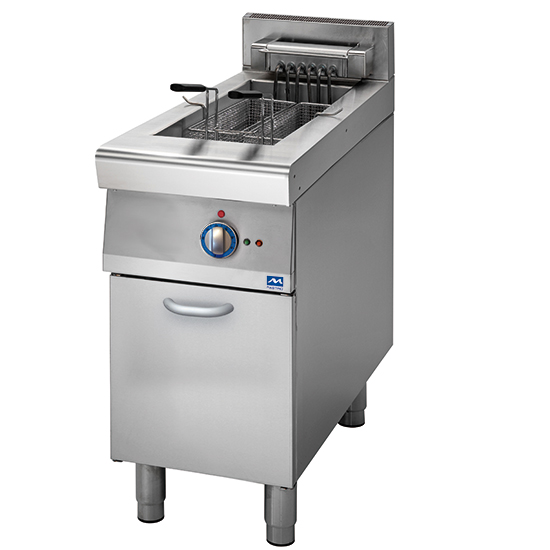 electric fryer on closed cabinet, 10 litres