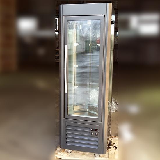 Tiefkühlvitrine mit Umluftkühlung und 5 rotierenden Glasböden, -15°/-20°C - BESCHÄDIGT